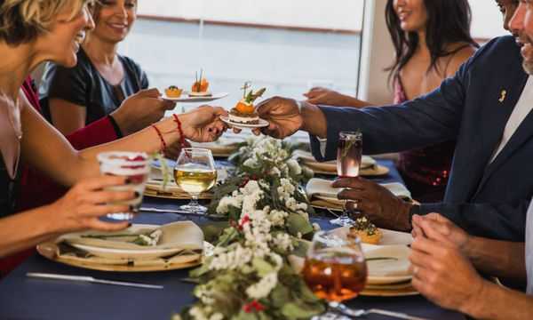 Christmas Buffet San Diego 2020 Christmas Dinner in San Diego | Christmas Buffet with Hornblower